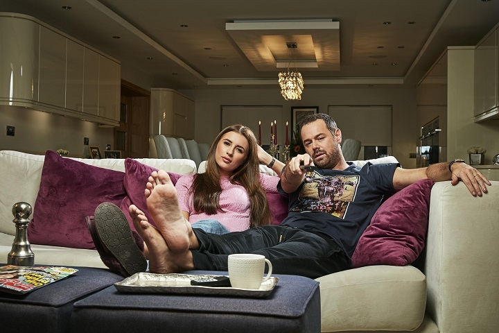 Dani Dyer and Danny Dyer on the Gogglebox sofa.
